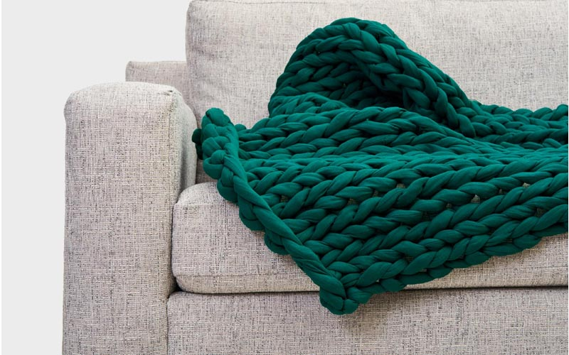 What to look for in a cooling weight blanket?